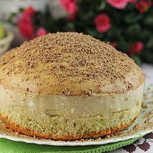 Бисквитный торт с творожным кремом – фото