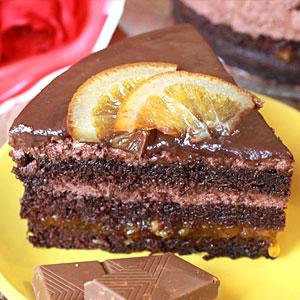 Шоколадно-бисквитный торт с апельсинами