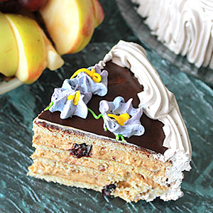 Торт с черносливом и грецким орехом - 3 рецепта