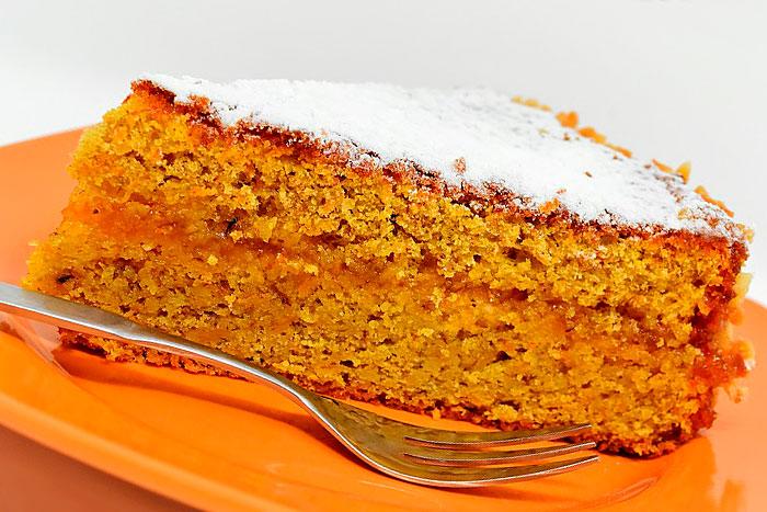 Постный морковный торт в разрезе - итоговое фото