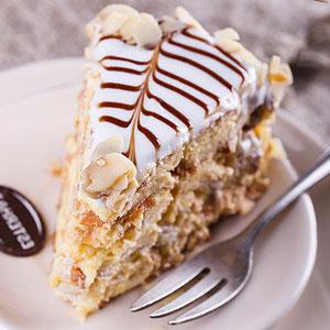 Эстерхази - классический безе-торт - фото