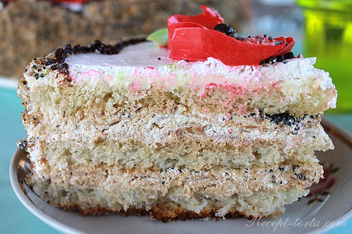 Торт с маком в разрезе