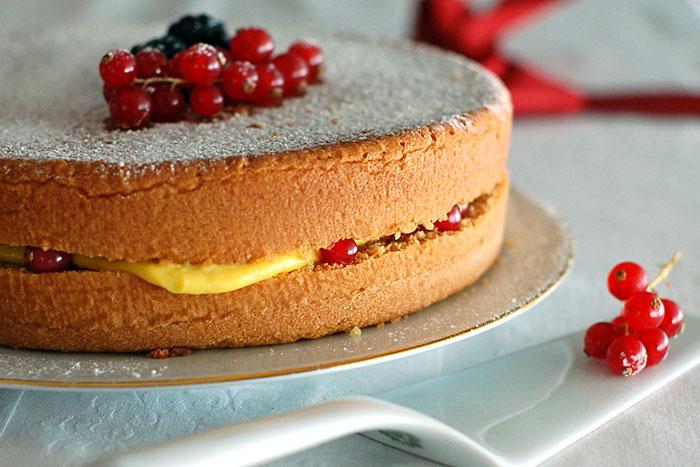 Торт с ягодой - итоговое фото