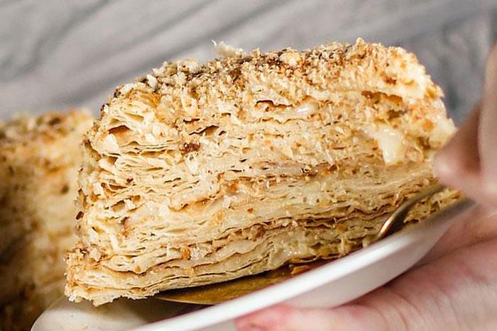 Классический торт Наполеон с заварным кремом - итоговое фото