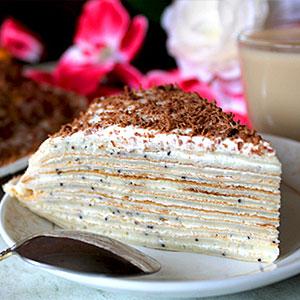Блинный торт с маком и кремом из сметаны