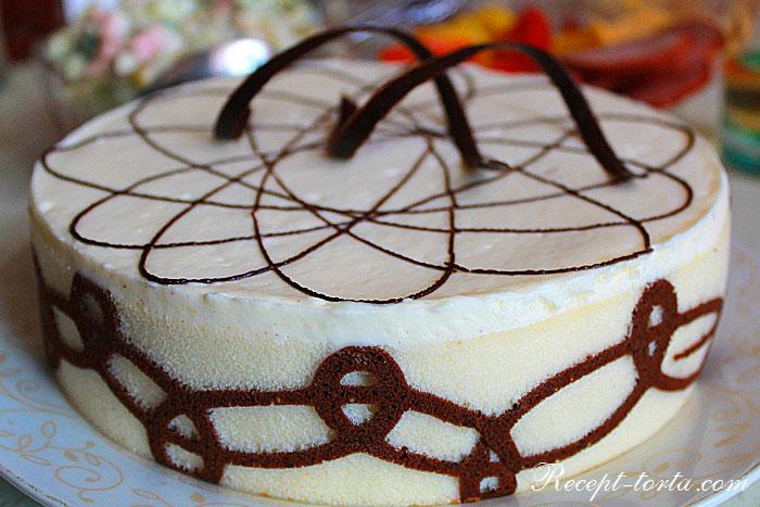 Итоговое фото оформления торта сырным кремом
