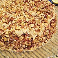 Промазываю кремом бисквит торта Добош - фото