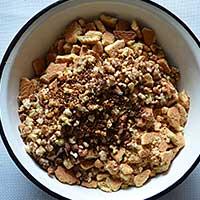 Фото печенья и орехов дробленных