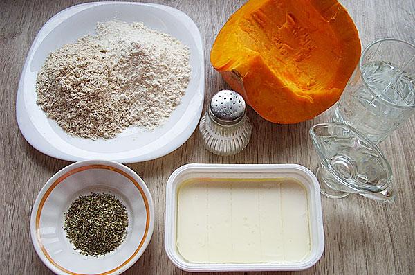 Ингредиенты для торта с тыквой и брынзой - фото
