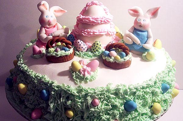 Пасхальный торт декорированный мастикой