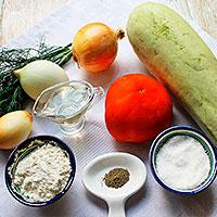 Ингредиенты для торта из кабачка с помидорами - фото