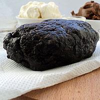 Замесим тесто для карамельного чизкейка - фото