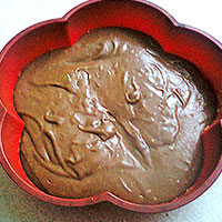 Выпекаем шоколадный корж - фото