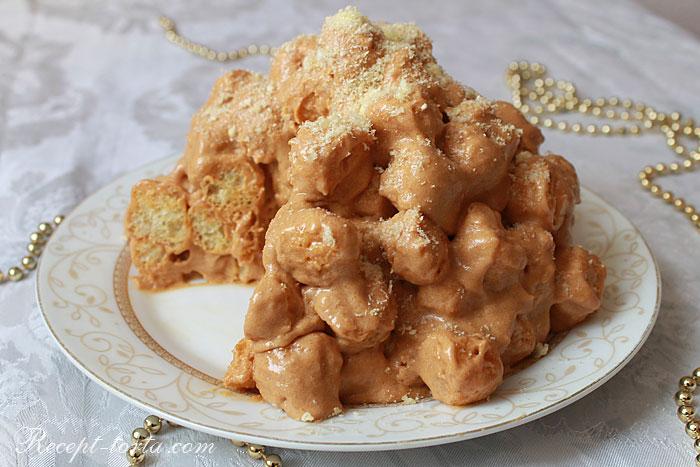 Готовый торт из кукурузных палочек со сгущенкой