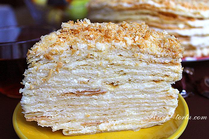Фото кусочка торта Наполеон приготовленного на пиве