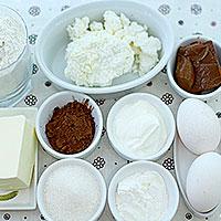 Ингредиенты для песочного торта с творогом и шоколадными дропсами - фото