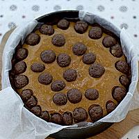 Выпекаем песочный торт с творогом и шоколадом - фото