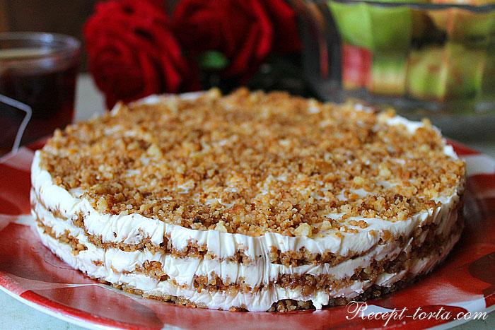Итоговое фото торта Пломбир из крема и песочной крошки
