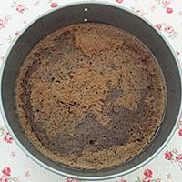 Остужаем корж для постного торта - фото