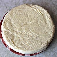 Отправим бисквит в суфле застывать - фото