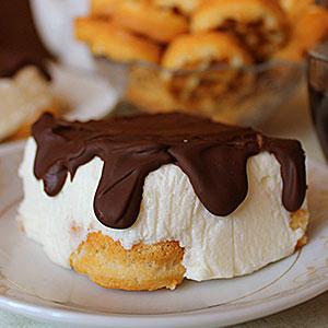 Торт Птичье молоко с вафлями и сметаной - фото
