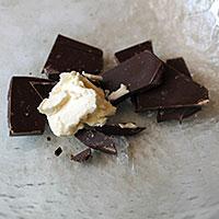 Соединяем шоколад и масло - фото