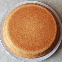 Выпекаем бисквит для новогоднего торта - фото