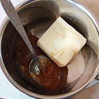 Готовим в таре мед, масло и соду - фото