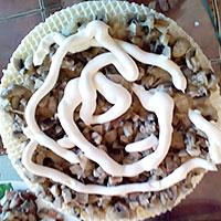 Новый вафельный корж с грибной начинкой - фото