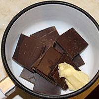готовим шоколад с маслом - фото