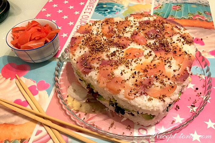 Итоговое фото суши-торта