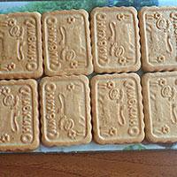 Выкладываем слой печенья - фото