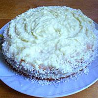 Покроем торт заварным кремом и кокосовой стружкой - фото