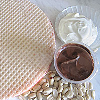 Ингредиенты для вафельного торта с нутеллой - фото