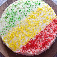Оформляем вафельный торт из готовых коржей - фото