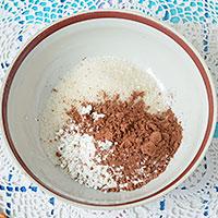Соединим крахмал с какао и сахаром - фото
